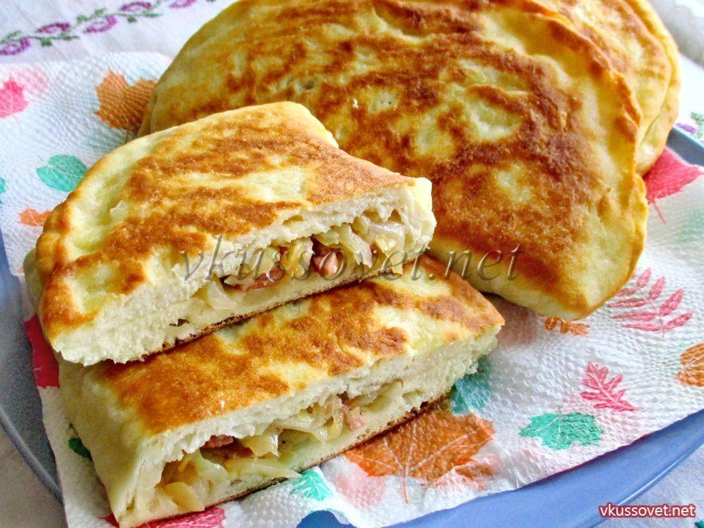 Пироги на кефире с капустой и колбасой