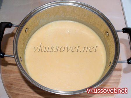 Крем – суп с сыром, ветчиной и гренками