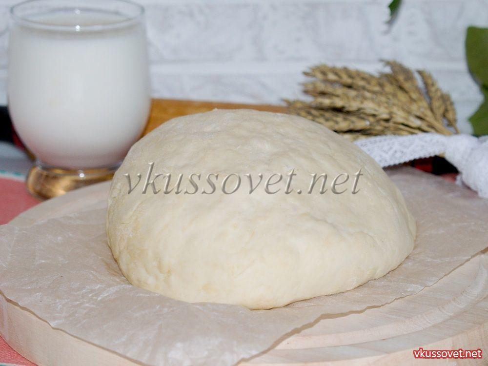 Тесто для пирогов на кефире с пошагово