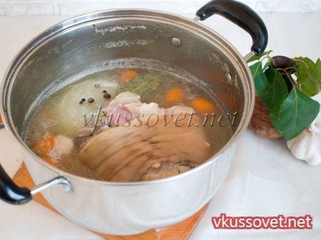Рулька отварная и запеченная в духовке